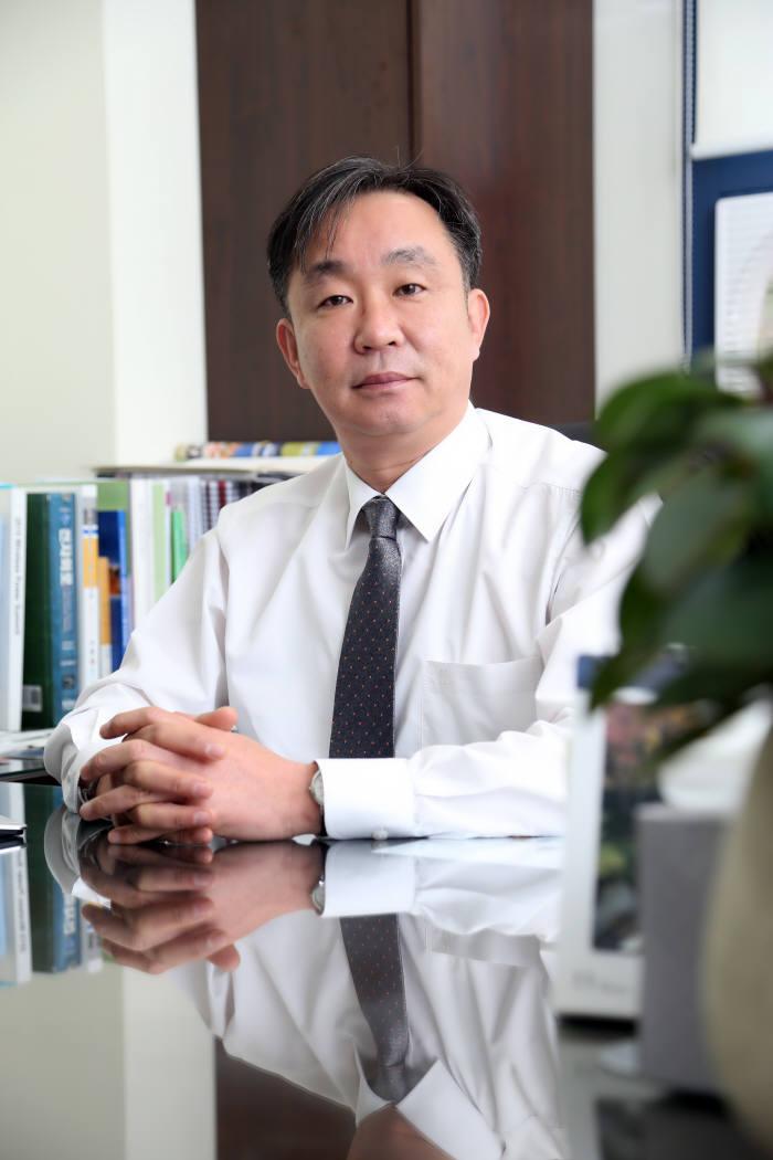 이준 맵스 대표는 자기공진형 충전기술 선점으로 향후 무선충전 시장에서 결과물을 내겠다고 밝혔다.