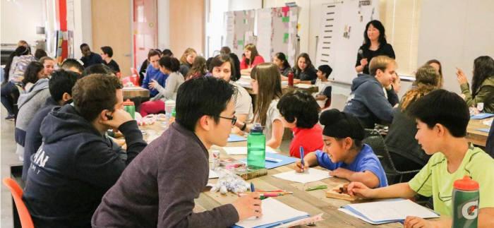 무학년제를 표방하는 오프라인 학교 '칸랩스쿨'의 수업 모습 <출처:칸랩스쿨 홈페이지>