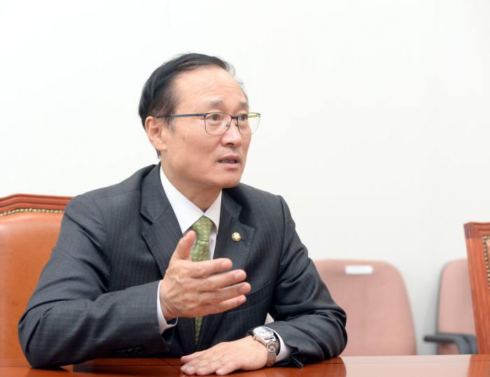 [창간 35주년 특별기획]국회 상임위원장 인터뷰<4·끝>홍영표 환경노동위원장