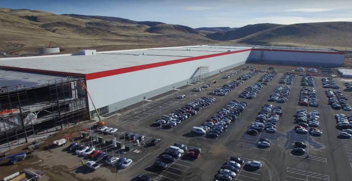 미국 네바다주에 위치한 테슬라 배터리 전용생산시설 '기가팩토리(GigaFactory)' 전경