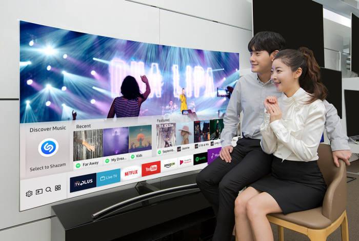 삼성전자는 내년 사물인터넷(IoT) 기능을 강화한 타이젠 4.0 기반 스마트 TV를 선보일 예정이다.
