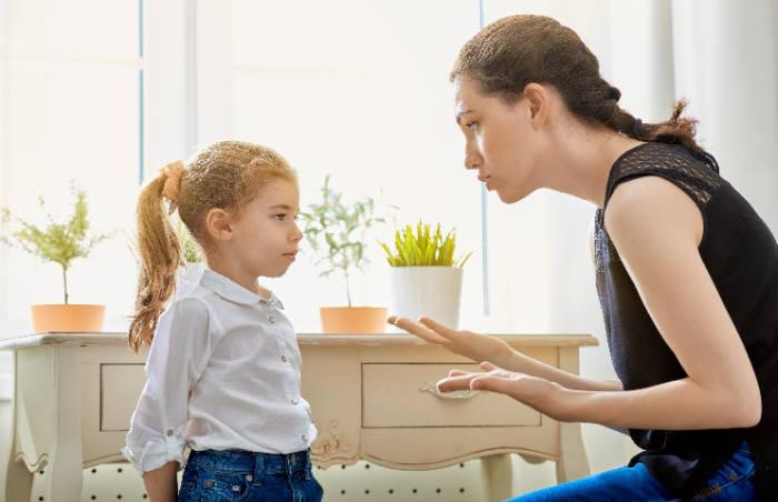 사진 1. 부모는 아이들의 거짓말에 큰 상심을 느끼지만 사실 거짓말은 인간 발달 과정에 필수적인 요소이다. 출처: shutterstock