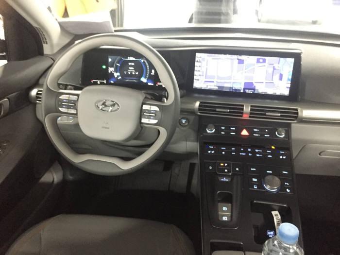 현대차 '넥쏘(NEXO)' 실내 모습.