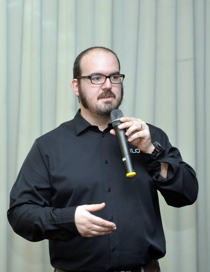 폴 하스까니에 시스코 탈로스 연구원
