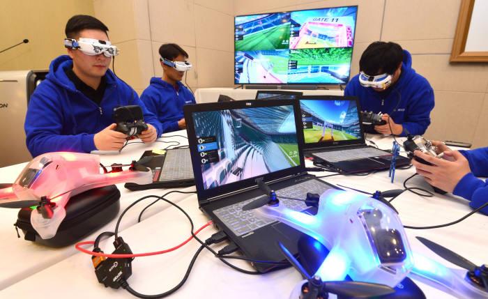 드로젠, VR 드론 레이싱 프로그램 공개...산업·코딩용 드론사업 추진