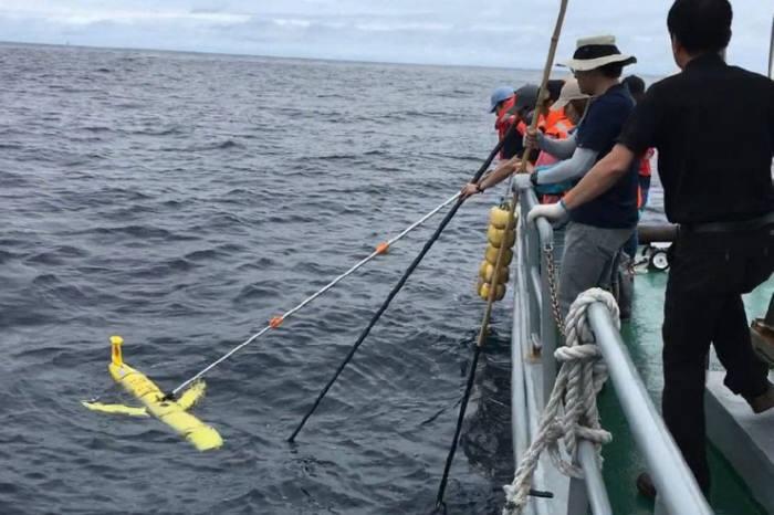 경북이 수중드론 등 해양 신산업 육성에 적극 나서고 있다. 사진은 수중글라이더 운용네트워크 구축사업의 하나로 경북대 수중무인기 통합운용센터가 수중글라이더 항해기술 해상운용시험을 하는 모습.