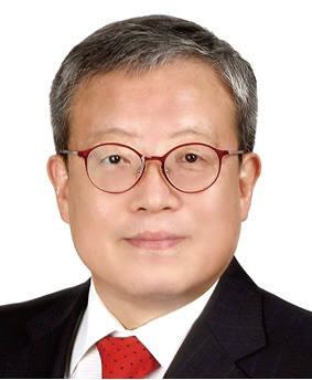 이용훈 부산대 교수