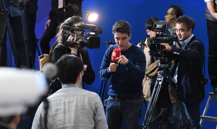 [2018 남북정상회담]3000여명의 내·외신기자가 바라본 역사적인 만남
