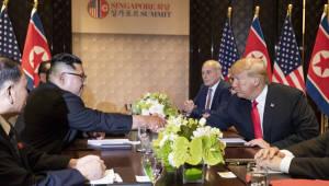 """트럼프, """"한반도 비핵화시 경제제재 해제""""...경협 활성화 지켜봐야"""