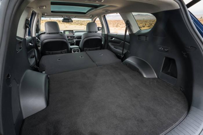 현대자동차 중형 스포츠유틸리티차량(SUV) '신형 싼타페' 트렁크 공간(제공=현대차)