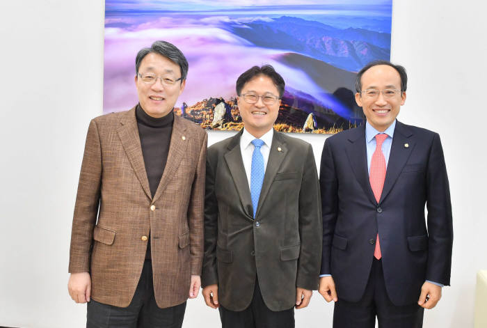 왼쪽부터 김성식, 김정우, 추경호 의원 <전자신문 박지호 기자>