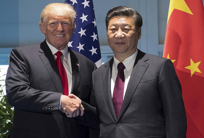 도널드 트럼프 미국 대통령(사진 왼쪽)과 시진핑 중국 국가 주석