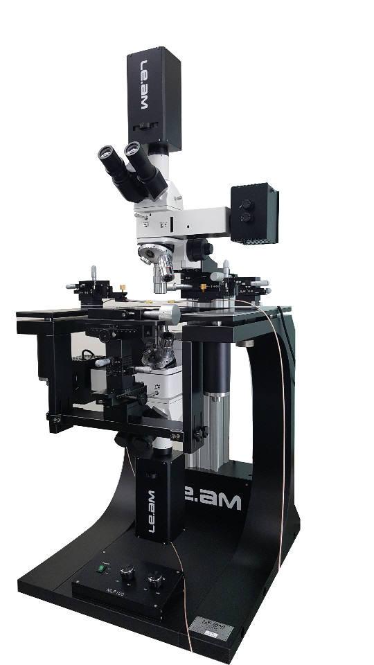 한국광기술원이 공동 개발한 마이크로LED 광 특성 분석 현미경 시스템.