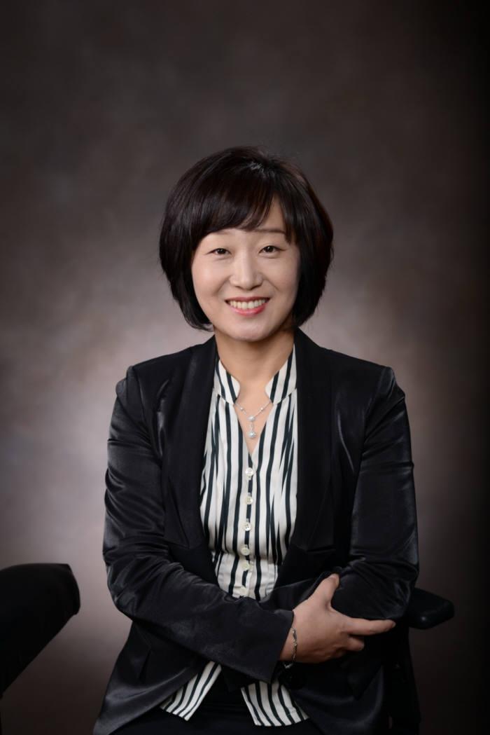 신향숙 시니어벤처협회 회장.
