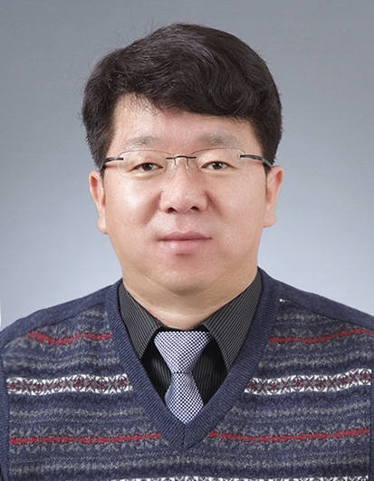 백창기 포스텍 교수(사진) 연구팀이 기존 반도체 공정을 활용해 열전소자를 대량으로 생산할 수 있는 기술을 개발했다.