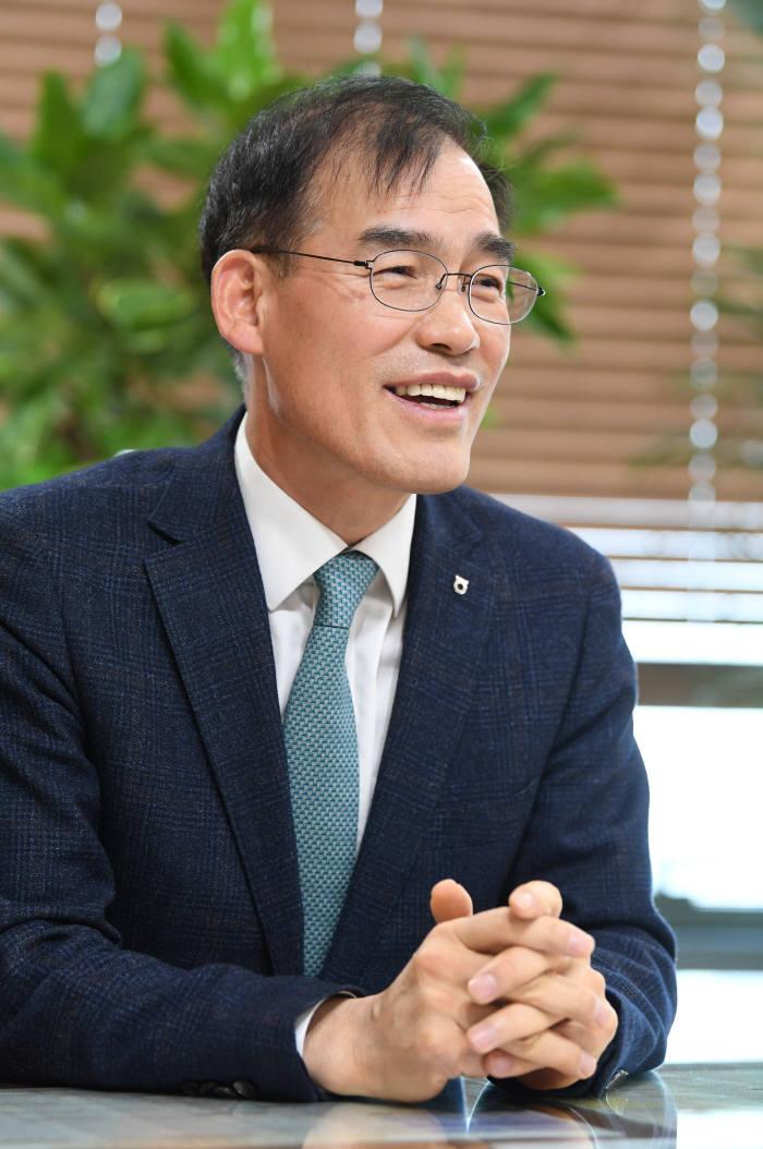남영수 농협금융지주 디지털금융부문장(CDO) 김동욱기자 gphoto@etnews.com