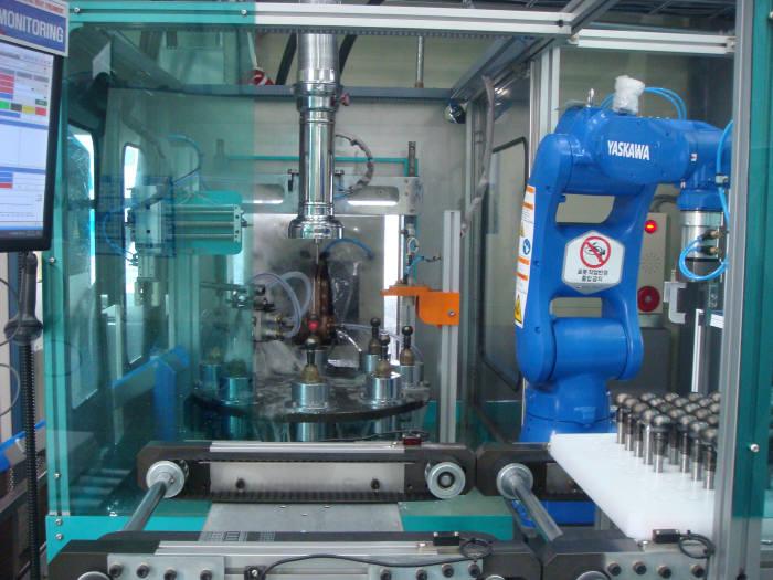 대성종합열처리가 생산라인에 구축한 로봇 기반 볼스터드 고주파 열처리시스템