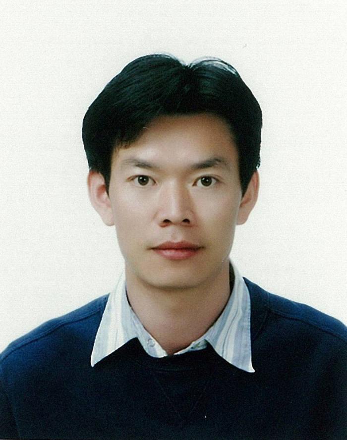 박수진 포스텍 화학과 교수. 박 교수는 송우진 박사연구팀, UNIST 최남순 교수·한정구 박사·신명수 연구팀, 울산과학대학교 유승민 교수 연구팀과 공동으로 고온 배터리 열화현상을 억제할 수 있는 한천 기반 분리막을 개발했다.