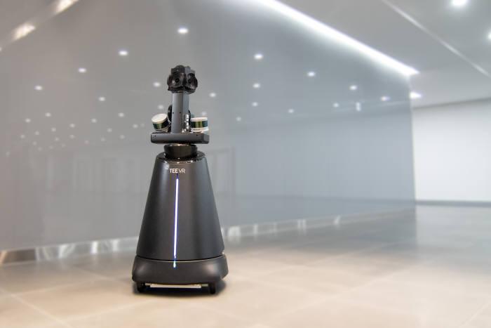 티랩스가 개발한 공간 스캐너 로봇 티스캐너. 사진출처=티스캐너