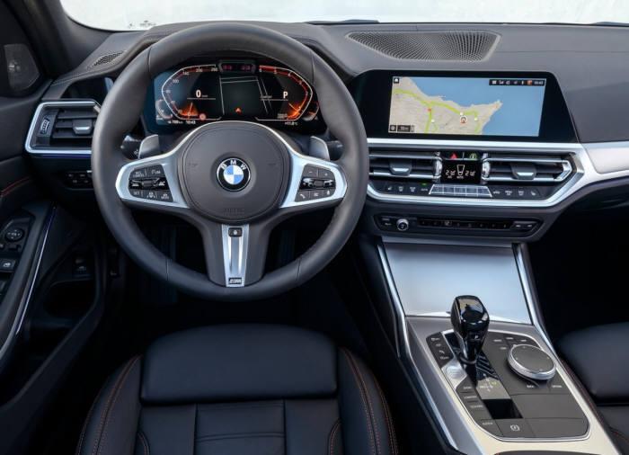 BMW 뉴 3시리즈 실내.