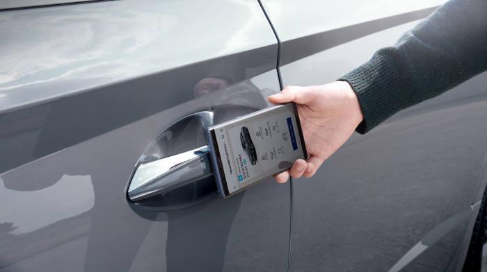 신형 쏘나타 현대 디지털 키 (제공=현대자동차)