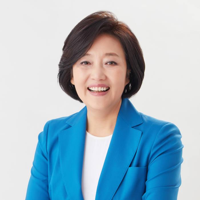 박영선 중소벤처기업부 장관.