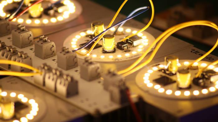 서울반도체, 세계 LED 시장 톱3 눈앞…시장 축소에도 약진 'R&D의 힘'