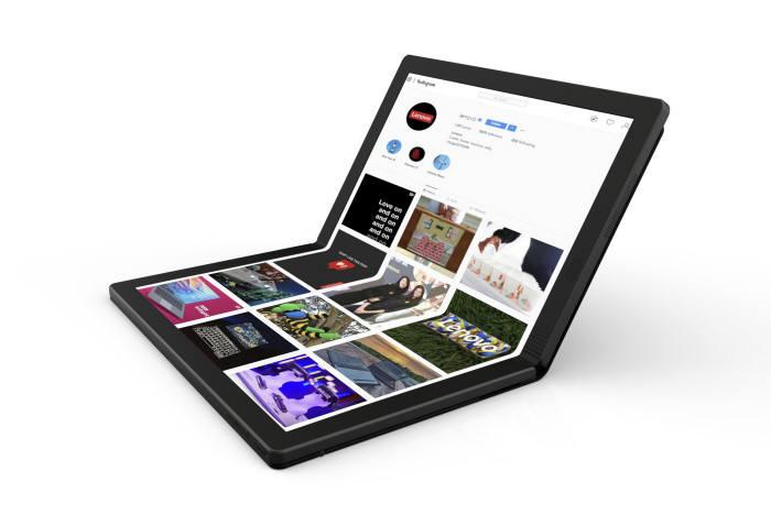 레노버가 공개한 세계 최초 폴더블 노트북 (사진=레노버)