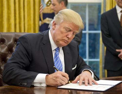 """트럼프 """"화웨이 금지령""""에 웃는 삼성전자 이유는?"""