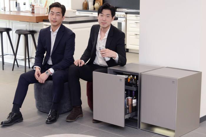 (왼쪽부터) LG전자 H&A융복합상품기획팀 현원동 선임, 남형두 선임