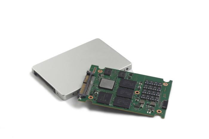 SK하이닉스의 NVMe 인터페이스를 적용한 저전력 eSSD. <사진=SK하이닉스>