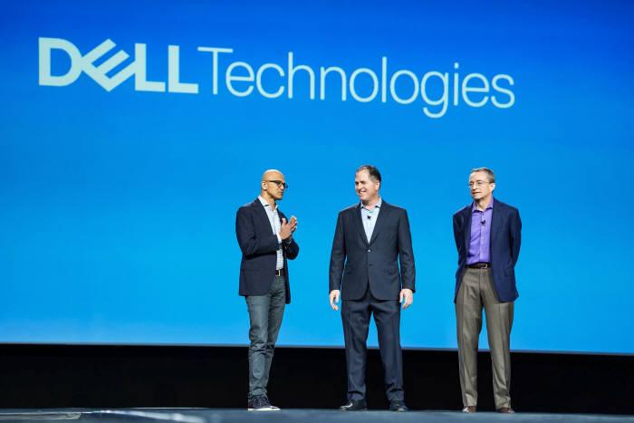 사진 왼쪽부터 사티아 나델라 MS CEO, 마이클 델 델테크놀로지스 회장, 펫 겔싱어 VM웨어 CEO.
