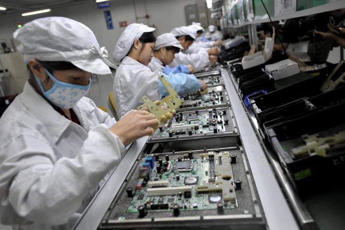 폭스콘 중국 선전 공장 모습