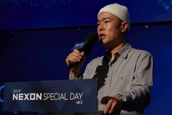 넥슨 김현 부사장이 현재 준비 중인 타이틀을 소개하고 있다