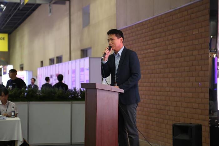 """[나노코리아 2019]""""5G용 신소재 개발 필수…나노기술에 기회"""""""