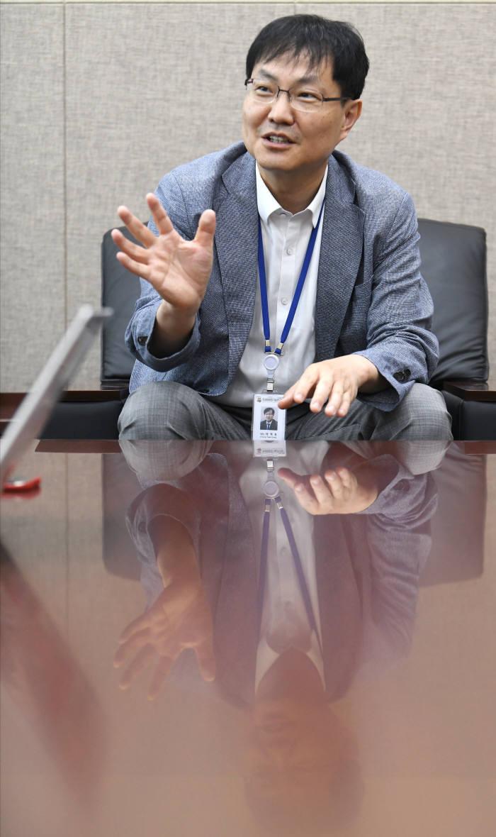 """[데스크가 만났습니다]정택동 차세대융합기술연구원장 """"공공융합플랫폼으로 사회문제 해결"""""""