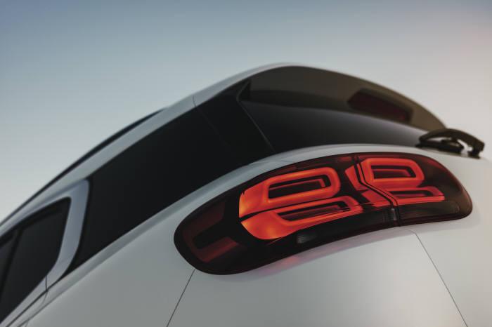 시트로엥 뉴 C5 에어크로스 SUV 리어램프.