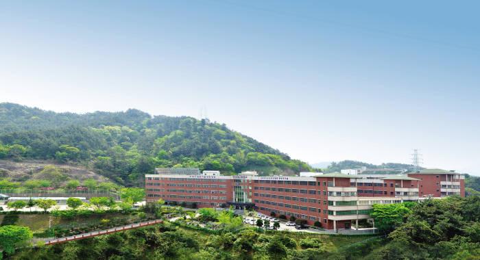 서부산공업고등학교 전경