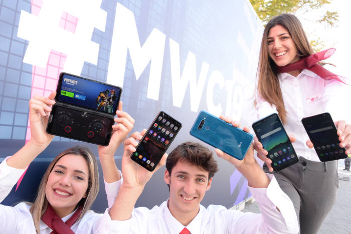 [MWC19 바르셀로나] LG전자, 첫 5G폰 'V50 씽큐 5G' 공개···4G G8 씽큐도 동시 출사표