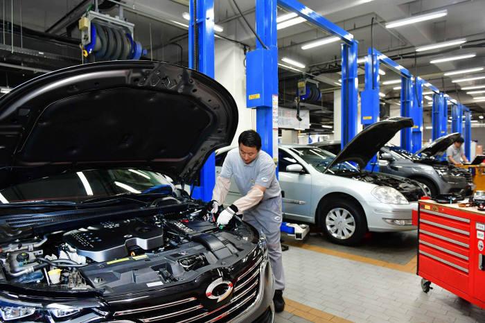 르노삼성자동차가 8월 한 달간 자사 차량 고객을 대상으로 소모성 부품 할인 혜택을 제공하는 마이 브이 이벤트를 실시한다.