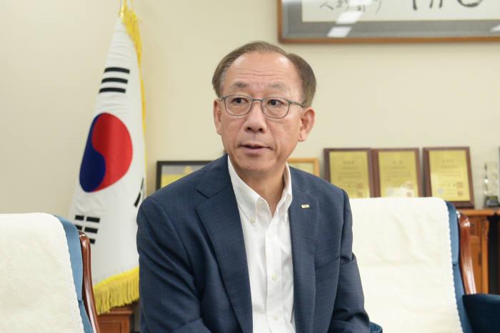 김명준 한국전자통신연구원장
