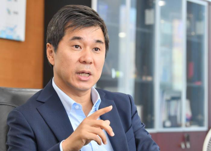 """[데스크가 만났습니다]김종서 아톤 대표 """"골리앗을 움직여 금융혁신 이끈다"""""""