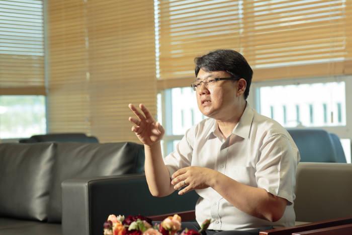 강상훈 UNIST 기계항공 및 원자력공학부 교수