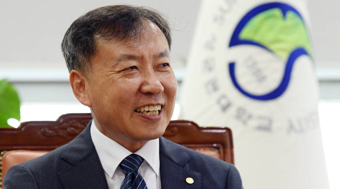 신동렬 성균관대 총장. 사진=이동근 기자 foto@etnews.com