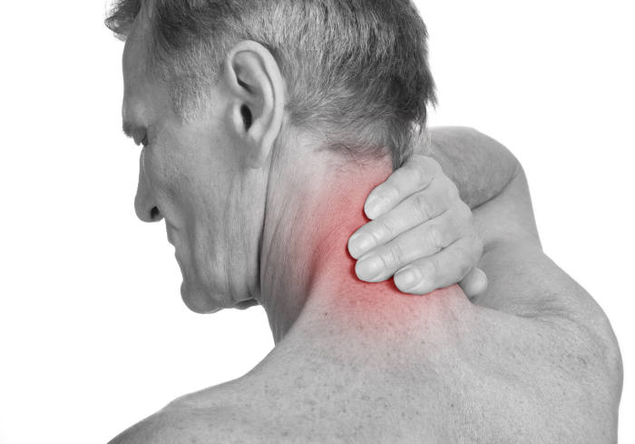 <저주파 자극기는 어디까지나 통증의 완화 정도 역할을 하므로 질환을 확인하는 것이 중요하다.출처:shutterstock>