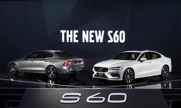 볼보 중형 세단 신형 S60.