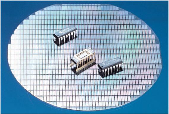1983년 삼성전자가 개발한 64K D램.