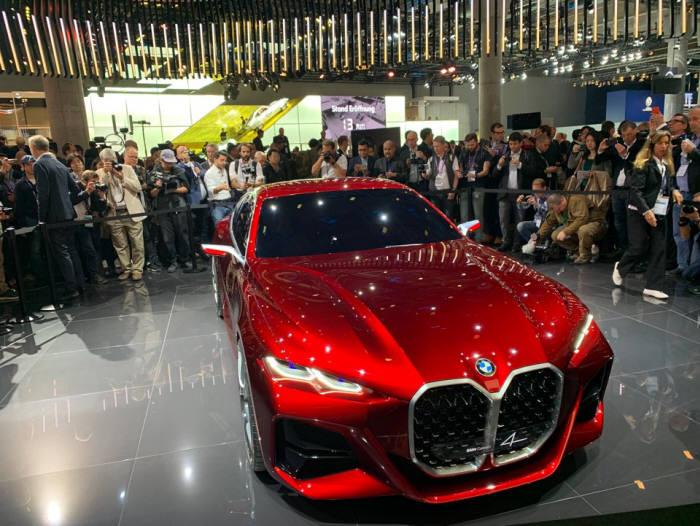 BMW 전기차 콘셉트카 콘셉트4.
