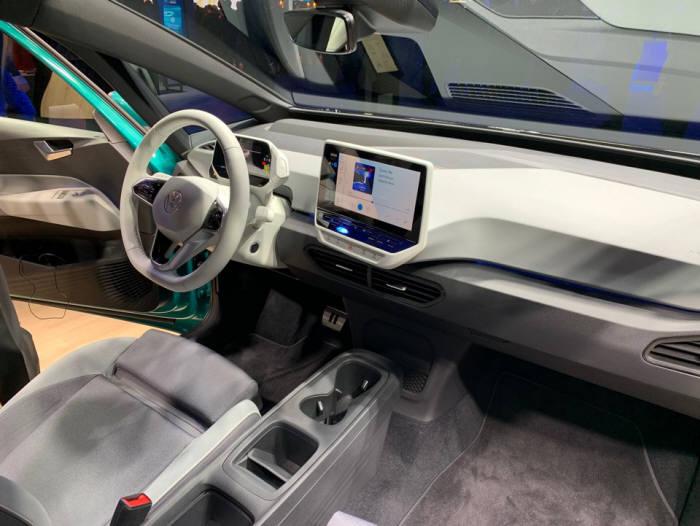 폭스바겐이 2019 프랑크푸르트 모터쇼에서 첫 공개한 배터리전기차(BEV) ID.3 실내.