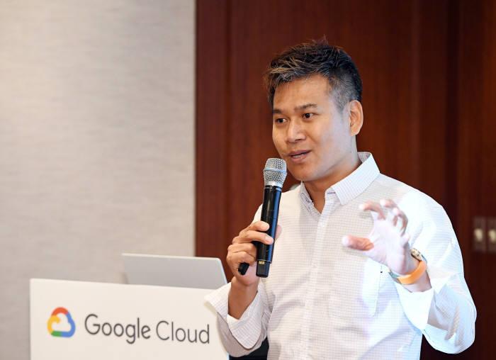 양승도 구글 클라우드 코리아 커스터머 엔지니어링 총괄이 25일 서울 삼성동 그랜드 인터컨티넨탈 파르나스에서 열린 간담회에서 구글 클라우드 전략에 대해 설명하고 있다. 구글 클라우드 제공